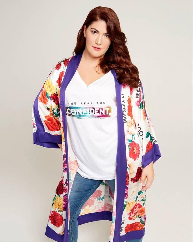 f80f185b573fd mat-fashion-taglie-forti-t-shirt-confident